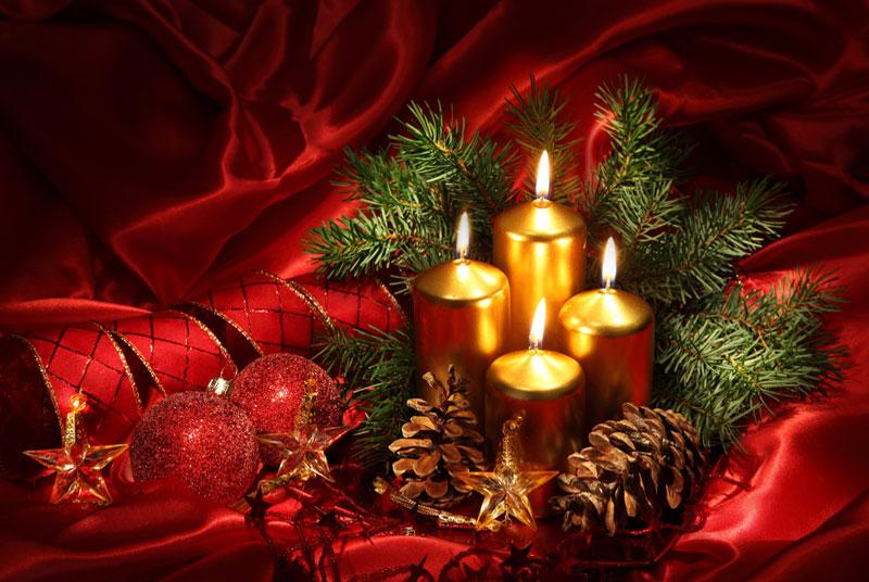 weihnachten weihnachten mit kerzen auf rotem hintergrund. Black Bedroom Furniture Sets. Home Design Ideas